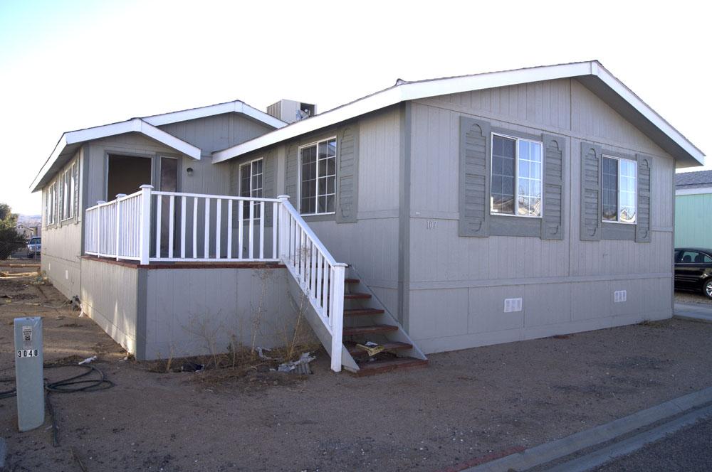 3 Bedroom, 2 Bathroom Double Wide Mobile Home in Ridgecrest ...